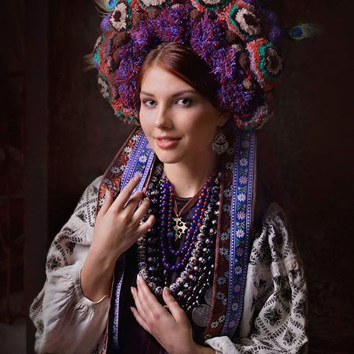 UkrainianHeaddress3